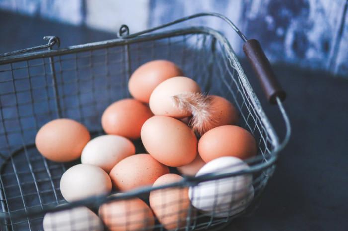 kaboompics.com_Eggs in the Metal Basket