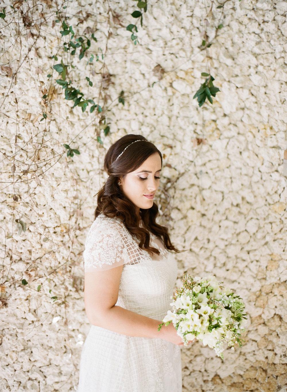 Classic Monique Lhuillier Wedding Dress