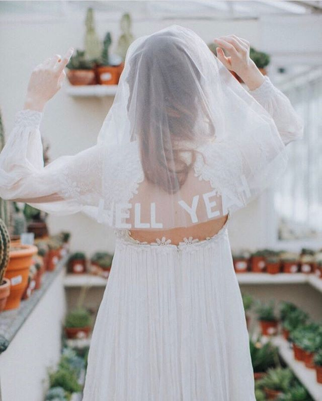 No better way to express those #hellyeah feelings then LITERALLY showing them off 🙌🏼 Tag a #wildbride that needs this in her life 👰💓 ⠀⠀⠀⠀⠀⠀⠀⠀⠀ 📸 via @devlinphotos