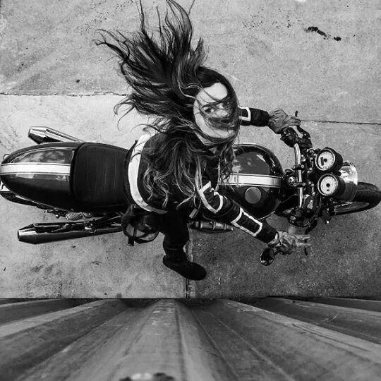 c3ff4889a86cfe19c6bf014a17633f8b--motorcycle-bike-motorcycle-girls.jpg