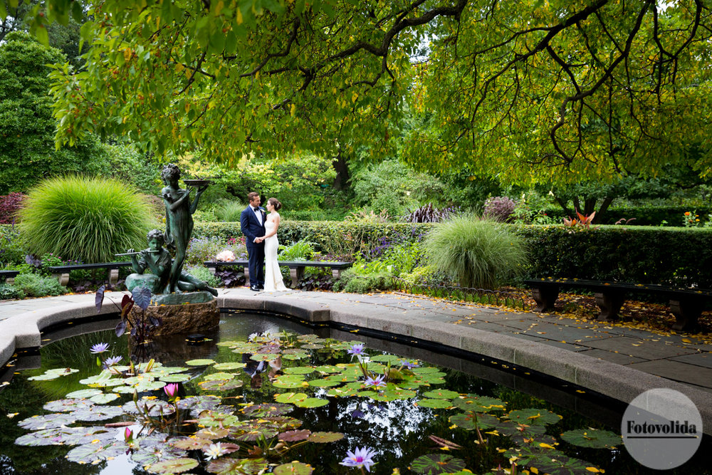 the beautiful deep colors the bride and grooms impeccable bold but elegant styling and of course the beautiful conservatory garden at central park - Central Park Conservatory Garden