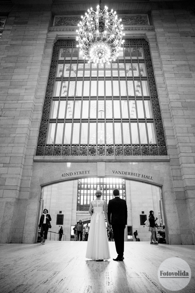 wedding photos in Grand Central Terminal