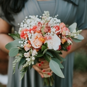 Lovely-Virginia-Vineyard-Wedding-as-seen-on-Hill-City-Bride-Blog-by-Vness-Photography_0011(pp_w611_h458).jpg