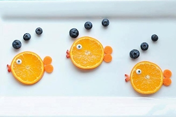 https://www.buzzfeed.com/rachelysanders/easy-adorable-animal-snacks-to-make-with-kids?utm_term=.ycbJPQEdoY#.wcnj2wq4nK