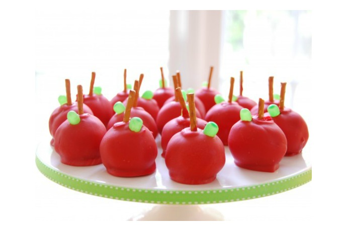 http://eats.coolmompicks.com/2015/05/10/deliciously-edible-gifts-for-teacher-appreciation-day/