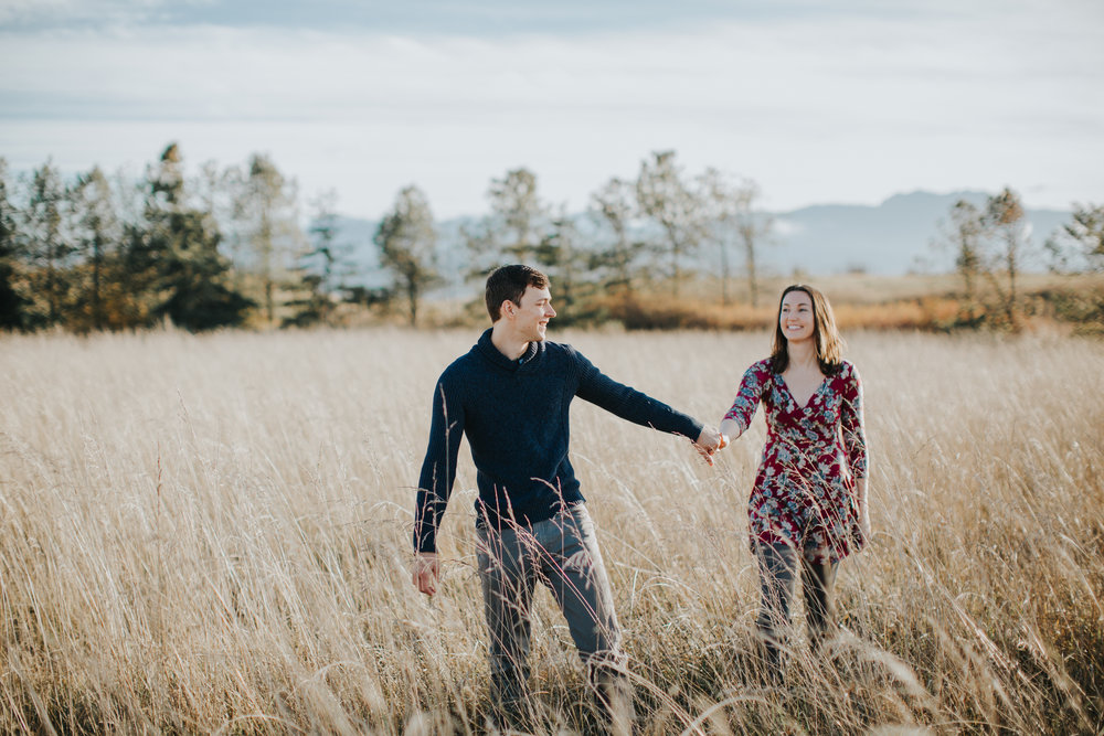 Kayla-Dawn-Photo-Kayladawnphoto-Kayladawnphotography-Sequim-Port-Angeles-Portrait-photography-photographer-PNW-olympic-peninsula-engagement-wedding-portraiture-washington (4).jpg