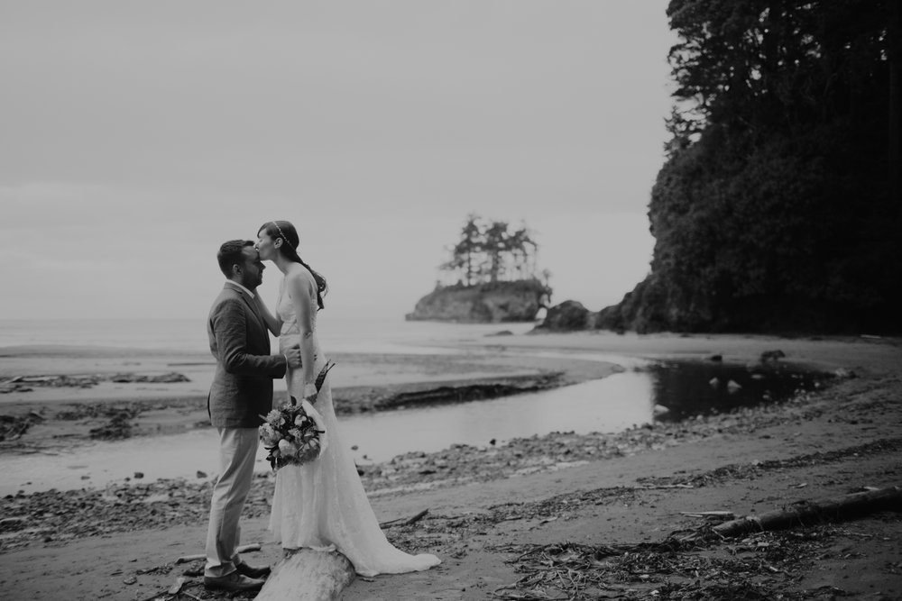 PNW-elopement-wedding-engagement-olympic national park-port angeles-hurricane ridge-lake crescent-kayla dawn photography- photographer-photography-kayladawnphoto-250.jpg