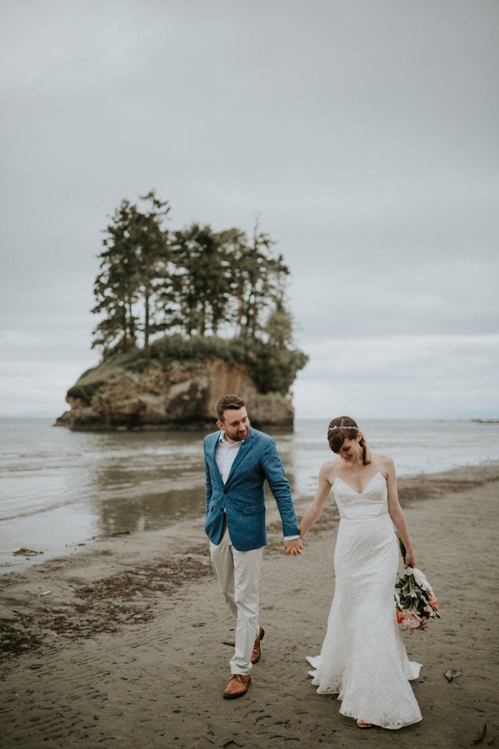PNW-elopement-wedding-engagement-olympic national park-port angeles-hurricane ridge-lake crescent-kayla dawn photography- photographer-photography-kayladawnphoto-300.jpg
