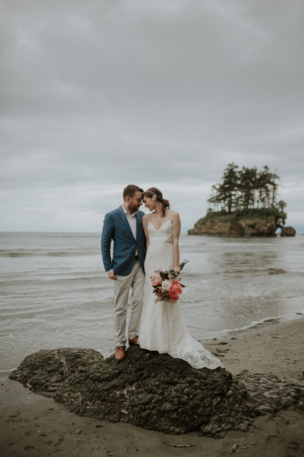 PNW-elopement-wedding-engagement-olympic national park-port angeles-hurricane ridge-lake crescent-kayla dawn photography- photographer-photography-kayladawnphoto-303.jpg