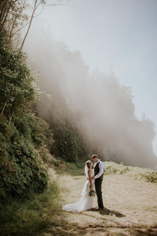 port-angeles-wedding-photographer-kayla-dawn-photography-pnw-olympic-peninsula-elopement-couples-portraiture-pnw-9.jpg