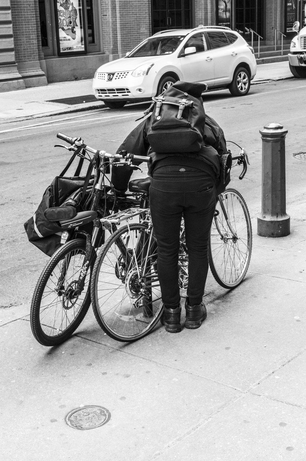 guylocking bike-philly-matthew zepp.jpg