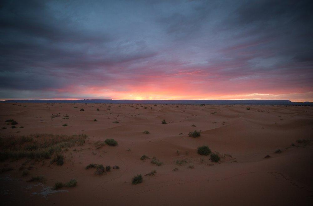 karim-manjra-sunset-over-desert.jpg
