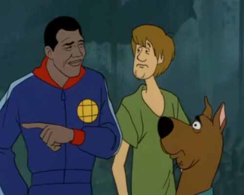 Meadowlark terrifies Shaggy and Scooby by directing their attention to a foodless surface.