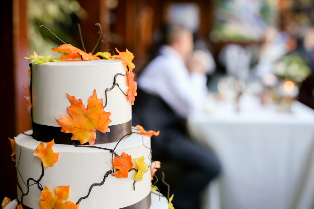 alexandra-rice-photography-shadowbrook-capitola-santa cruz-wedding-cake-fall-autumn-leaves.jpg