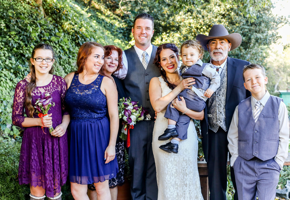 alexandra-rice-photography-shadowbrook-capitola-santa cruz-wedding-family-portrait-outdoors-garden.jpg