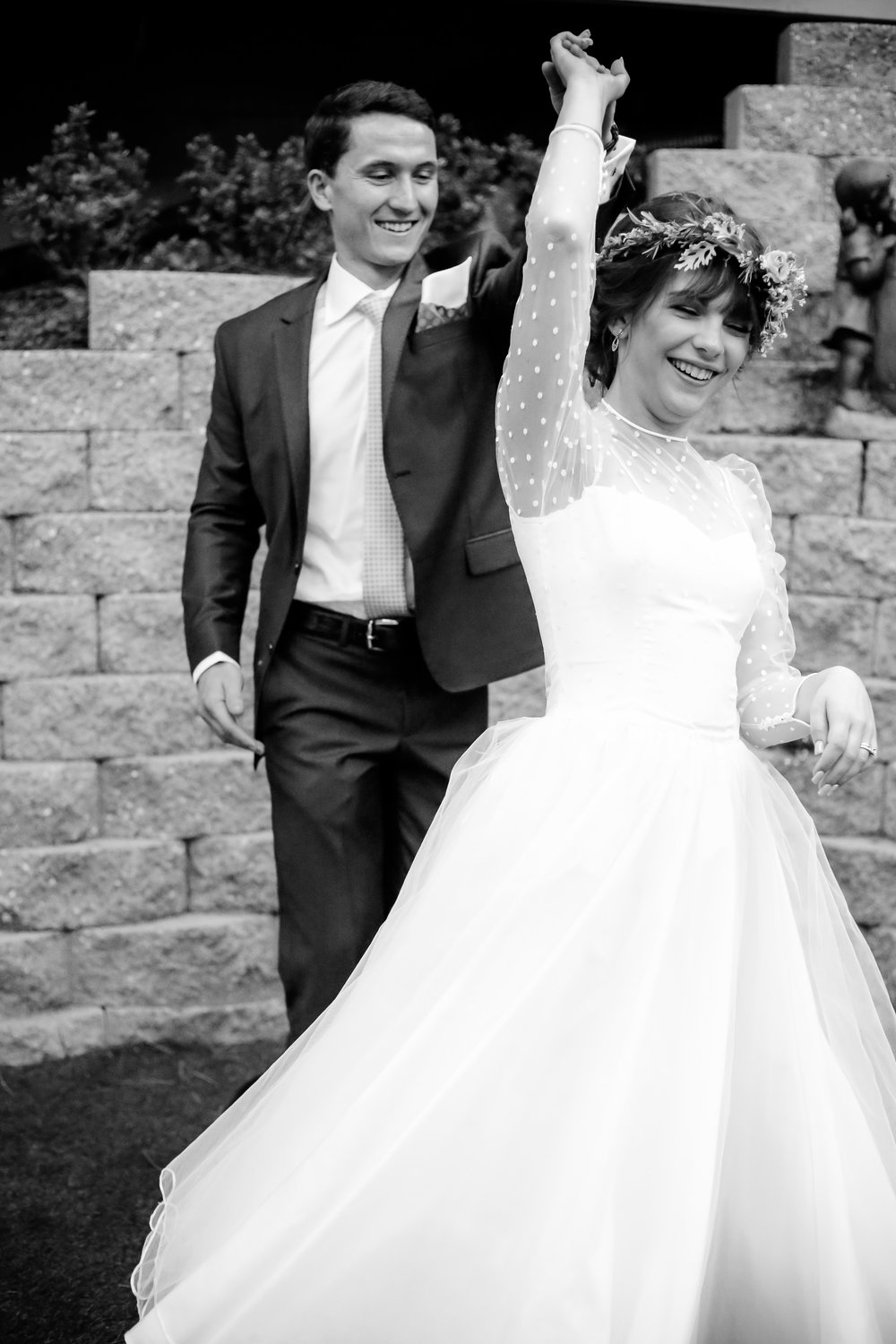 alexandra-rice-photography-monterey-wedding-bride-groom-first-dance-twirling.jpg