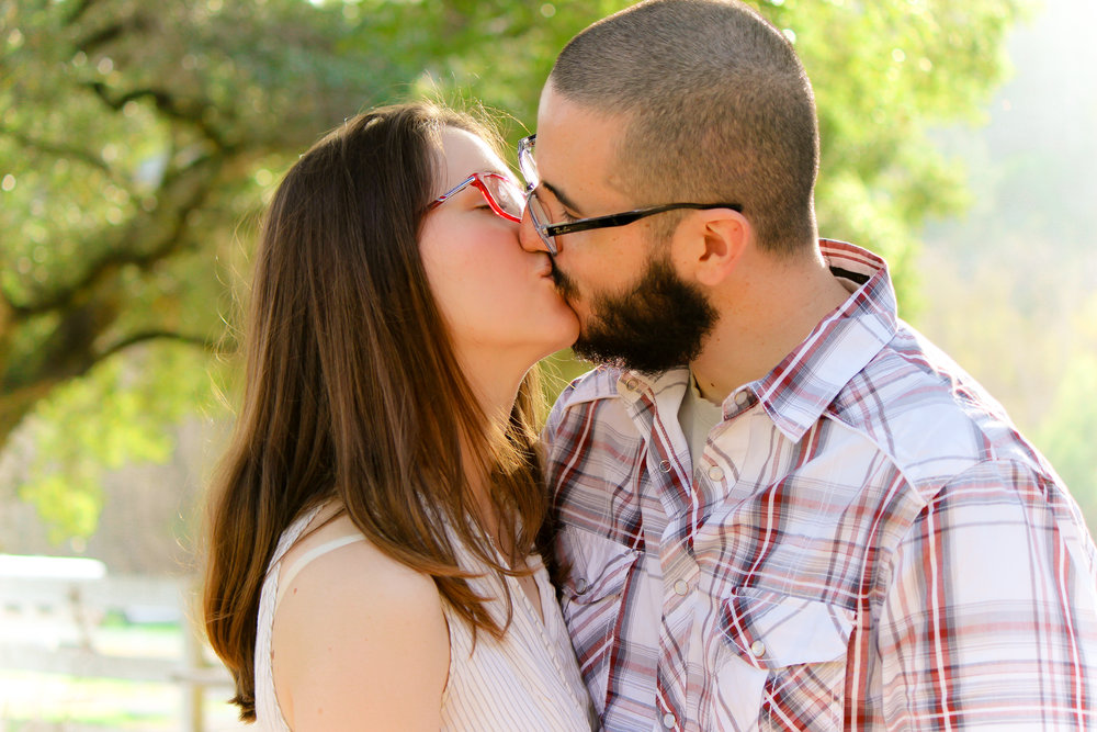 alexandra-rice-photography-engagement-shoot-quail-hollow-ranch-santa-cruz-couple-kissing.jpg