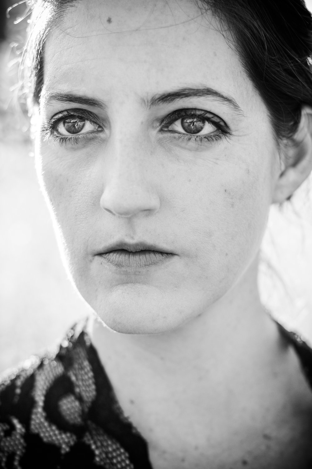 alexandra-rice-photography-quail-hollow-ranch-gothic-photoshoot-meadow-close-up-black-white-portrait.jpg