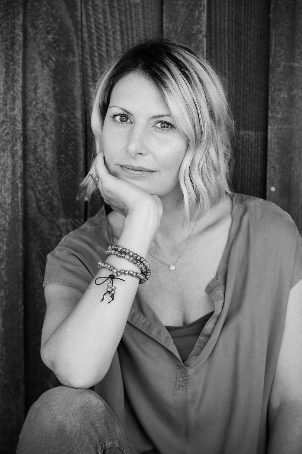 alexandra-rice-photography-realtor-santa-cruz-headshot-portrait-roaring-camp-black-white.jpg