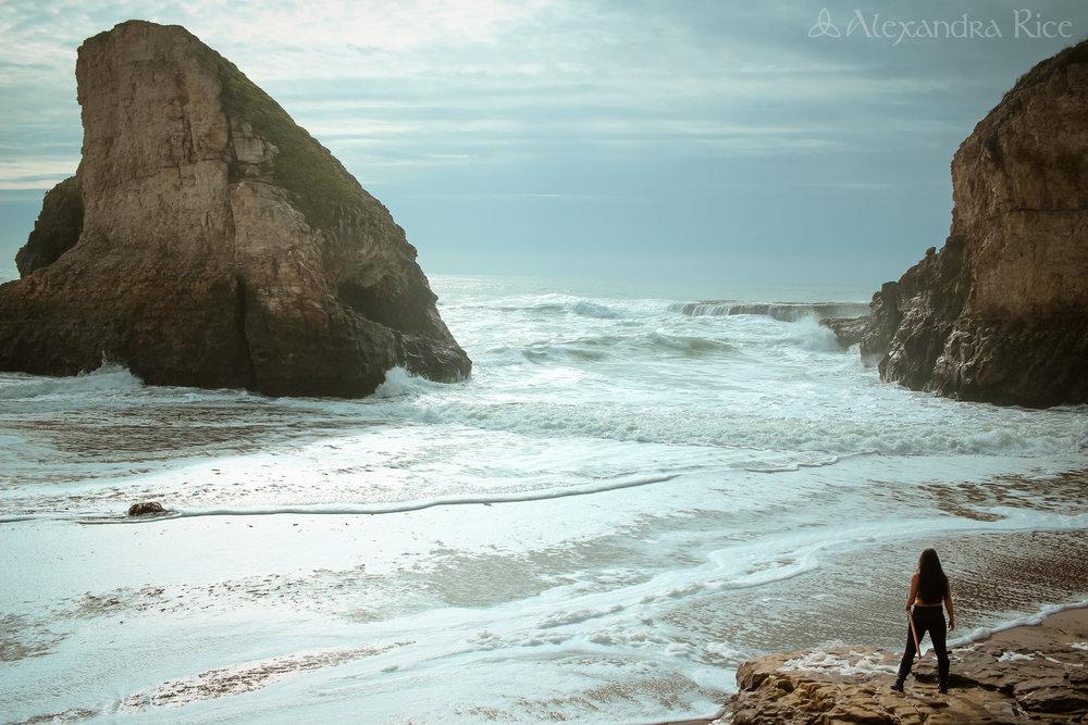 alexandra-rice-photography-k.m.rice-author-fantastical-photoshoot-highway-one-ocean-badass.jpg
