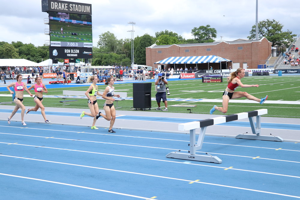 Courtney takes the win in Heat 2 of the prelim at 2018 USATF Championship  Photo by Brett Guemmer