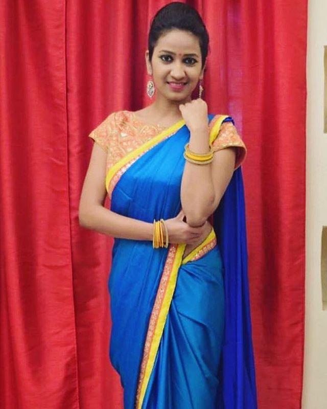 AVAllure Fashionista #custommadesaree #designyourown. . . #Avalina #ootd #couture #boutique #designer #designerfashion #bollywood #bollywoodfashions #punjabifashion #pakistanifashion #bollywoodmeetshollywood #newtrend  #saree #custommade #lehenga #modernwear #toronto #lifestyle #canada #fashiondesigner #womensfashion #trendsetting #style #trendy #gorgeous #hamilton #gta