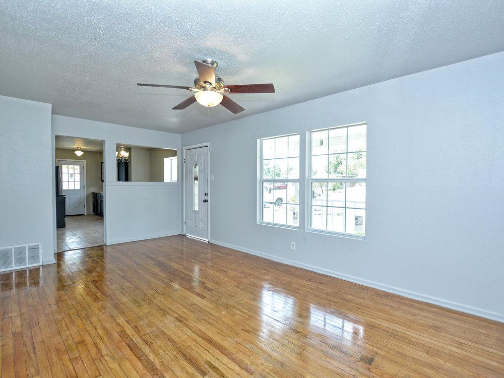 004_Living Room 2.jpg