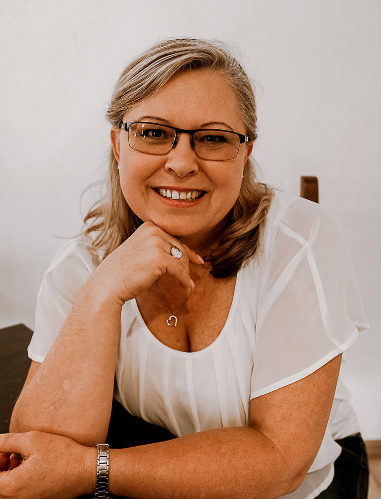 Claire Wyborn  - Central Melbourne ,     9+ Years Experience  Birth Doula, Postnatal Doula, Lamaze certified Childbirth educator (LCCE)