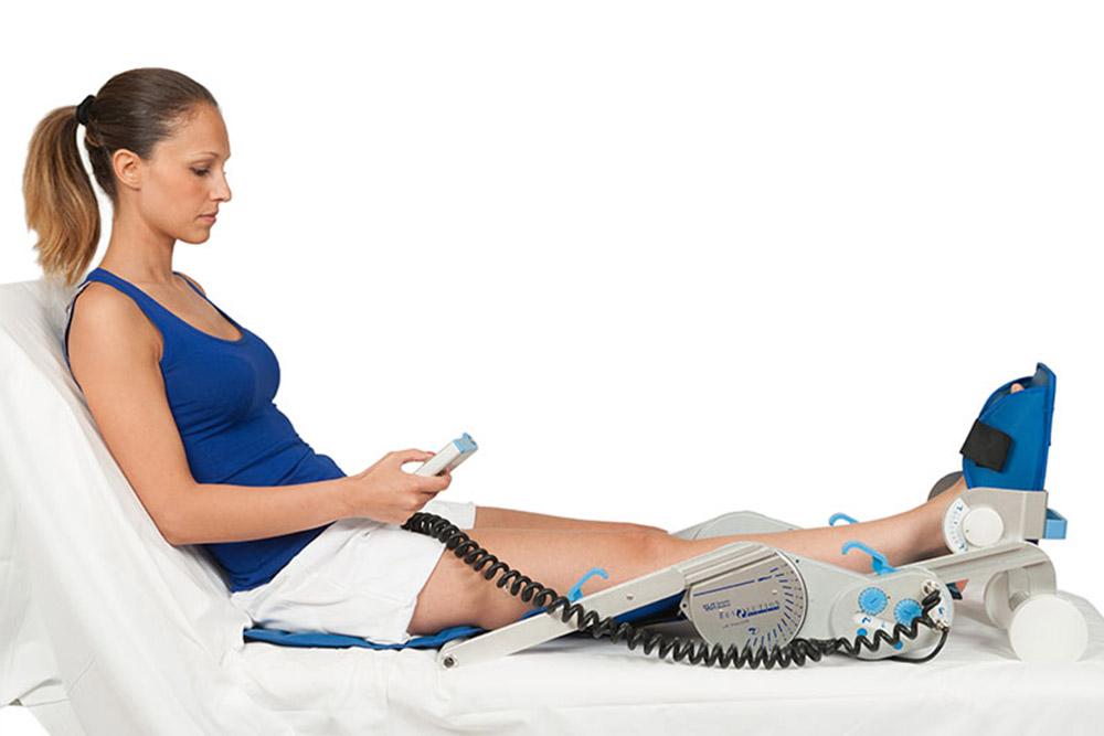 2-Fisionoleggio-noleggio-attrezzature-sanitarie-kinetec-ginocchio-l4k.jpg