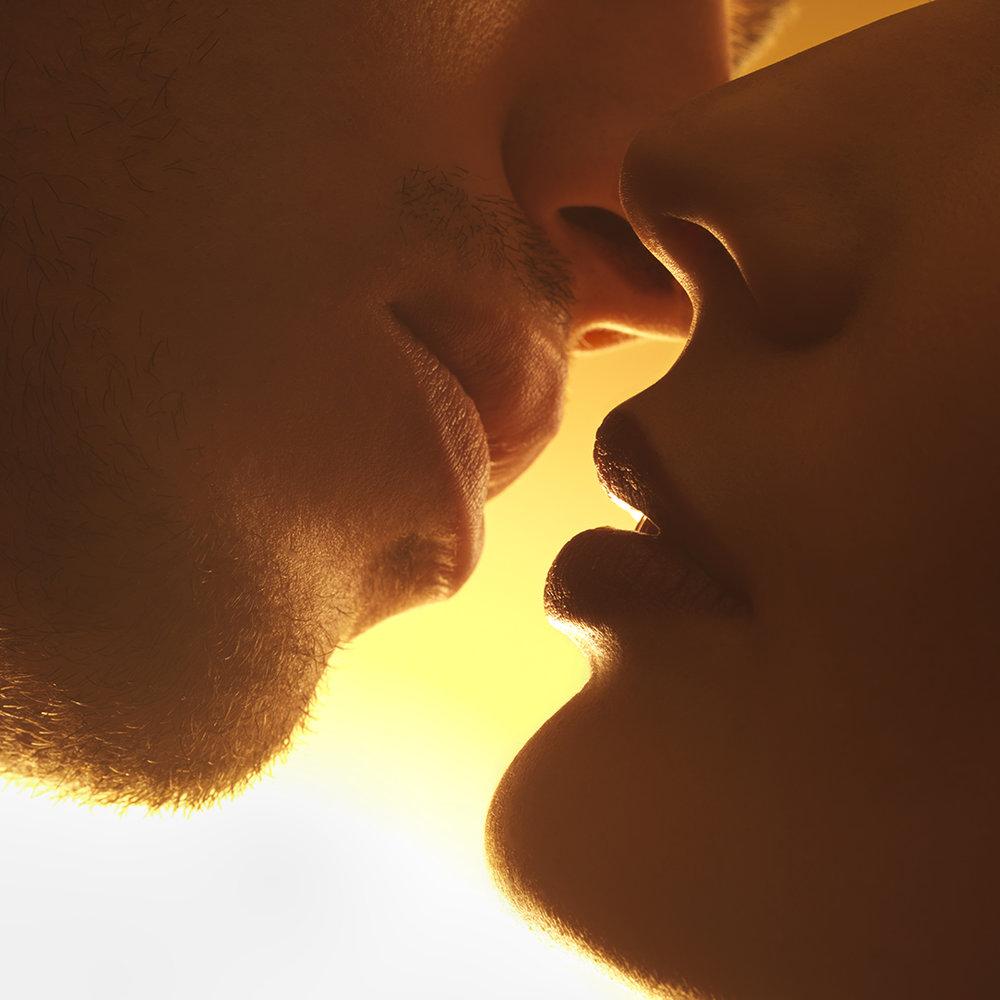 10_kiss final.jpg