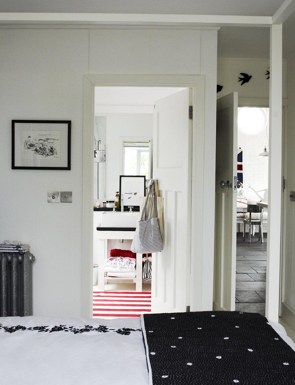bedroom_0027f.jpg