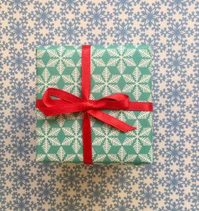Turquoise-gift-wrap-282x300.jpg