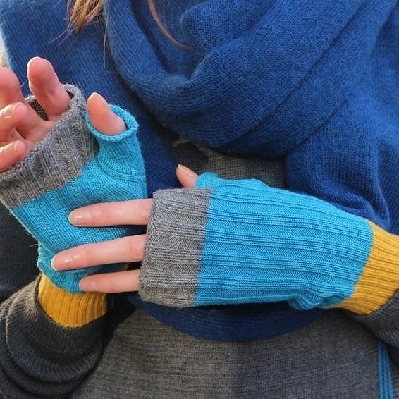 2 Days until our market! Keep cosy warm with a pair of @vkarellas fingerless gloves. ⠀⠀⠀⠀⠀⠀⠀⠀⠀ Feeling inspired? Come to our Etsy Made Local Christmas Market and discover over 30 talented designers selling an amazing range of Christmas gifts. When: Saturday 1st December 2018, 11 am-5 pm Where: Tooting Tram and Social, 46-48 Mitcham Road, London SW17 9NA . @londonlocalteam @etsyUK @tootingtramandsocial . #LondonLocalTeam #etsy #EtsyMadeLocal #EtsyMadeLocalUK #LoLoMarket #EtsyMadeLocalTooting #handmadehour