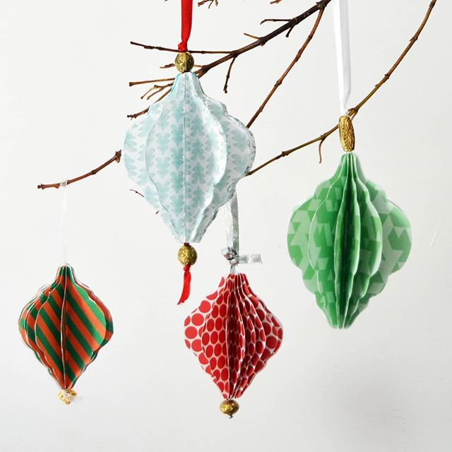 Come along tomorrow for our #etsymadelocaluk market @tootingtramandsocial and enjoy a #freecraft workshop making #christmasdecorations with @londoncraftclub from 11AM to 3PM 🎉🎉🎉 #whattodothisweekend #craftworkshop #freebies #craft #londonmarket #craftmarket