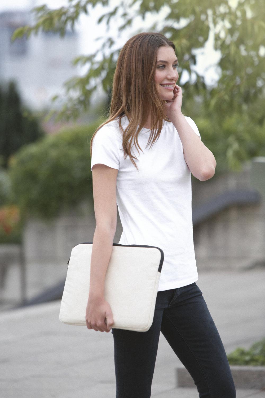 O90044 Lap Top Bag.jpg