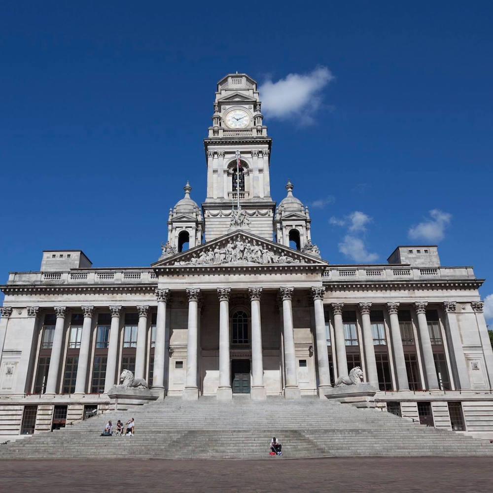 portsmouth guildhall -
