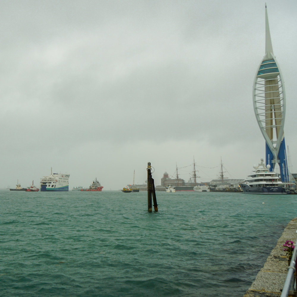 victoria of wight in portsmouth 1.jpg