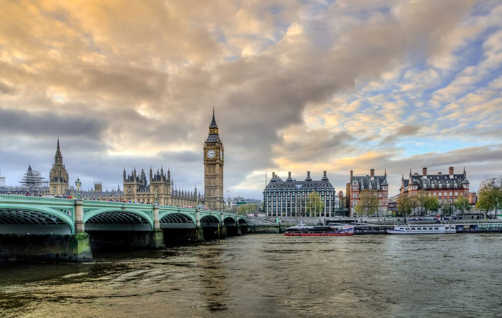 london-with-victoria-bridge-and-big-ben-england.jpg