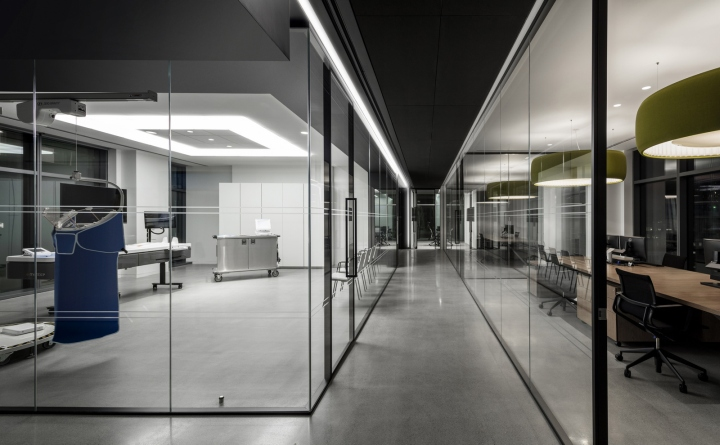 Biotronik-offices-by-Ted-Moudis-Associates-New-York-City-12.jpg