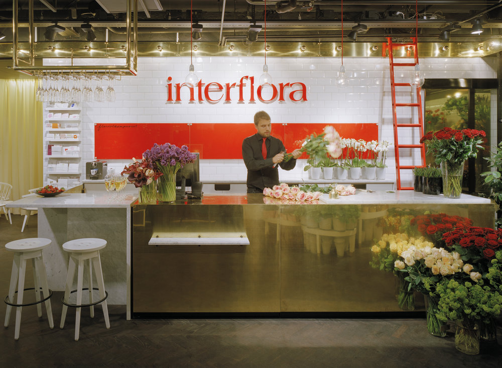 Interflora  / Assignment at BLINK / Project: flag ship store concept and franchise roll out / Role in project: Creative direction and implementation  Photo by BLINK