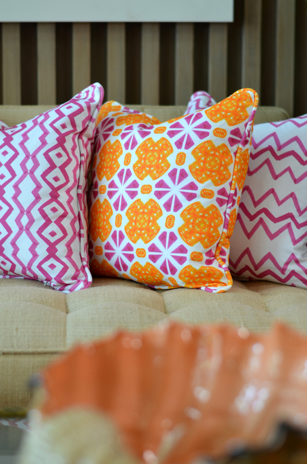 www.mimosalaneblogspot.com, pillows, pink rhombus, pink chevron, pink and orange tile,