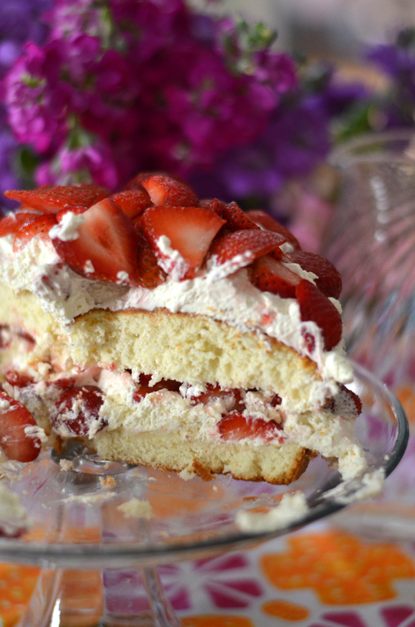 Strawberry cake, Mimosa Lane Blog