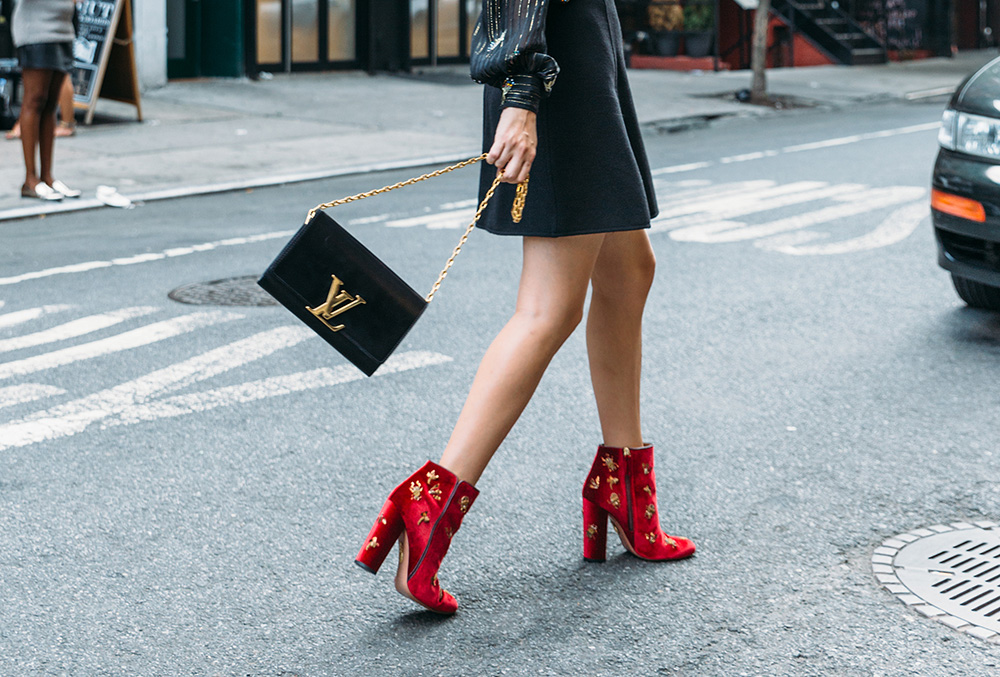 red-boots-black-style.jpg