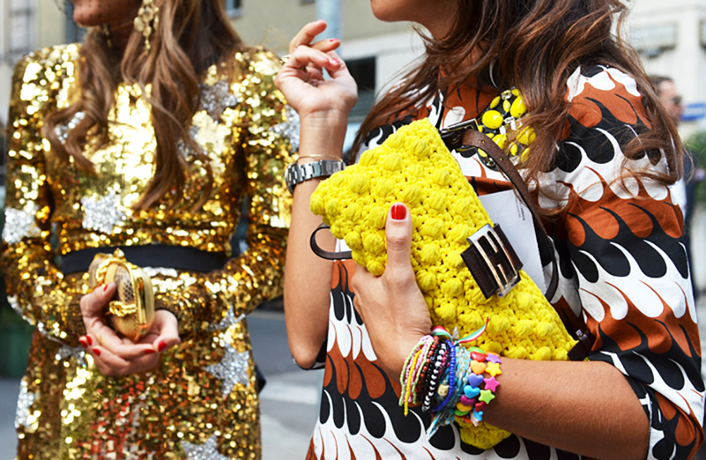 street-style-summer-arm-party-plastic-friendship-bracelets-sequins-fashion3.jpg