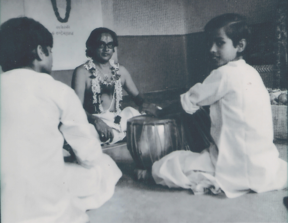 Young Sandeep playing for his Guru- the legendary Pt. Kishan Maharaj