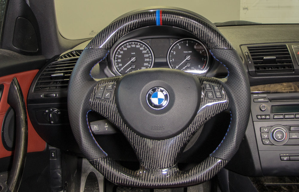 BMW-E92-cf-steering-wheel-5.jpg