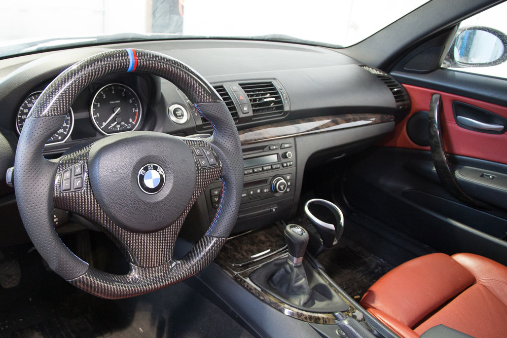 BMW-E92-cf-steering-wheel-1.jpg