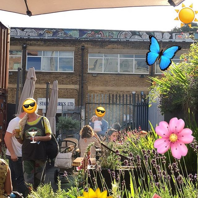 😎 🌺Our lush BBQ garden settings 💐😎 We're kicking off our Chinese barbie tomorrow at The Institute of Light, Tuesday - Friday , 6-10.30, Saturday - Sunday, 11am - 10.30. Great food, lovely vibes, come say hi 👋 💫