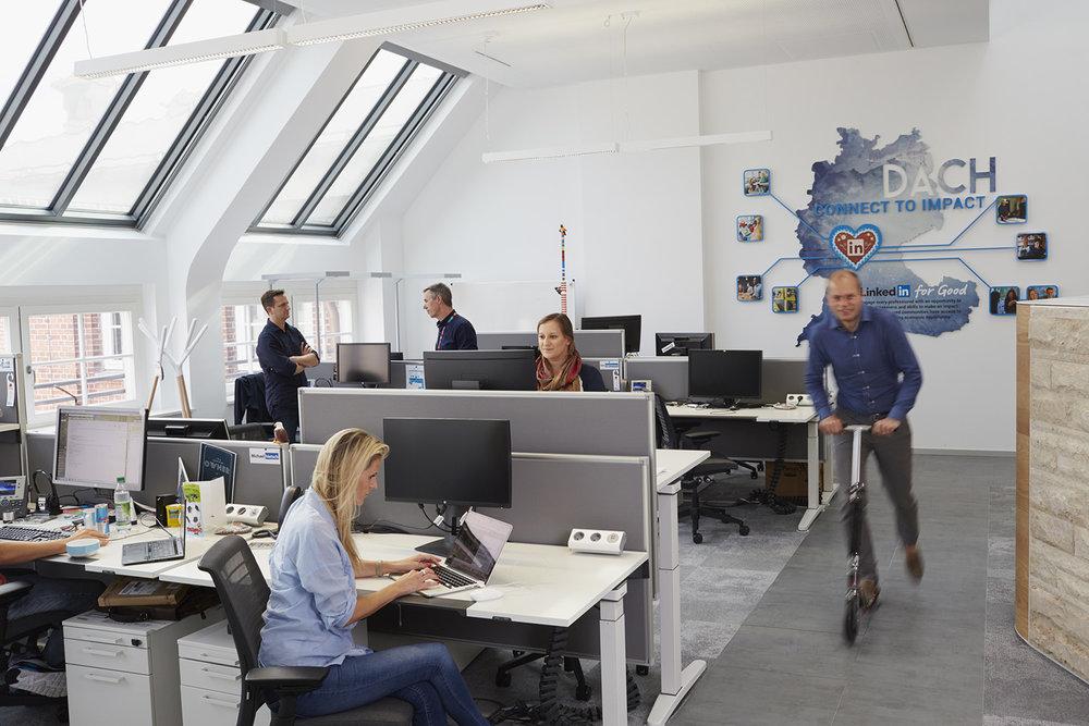 Arbeitsfläche 2 - LinkedI Kopie.jpg