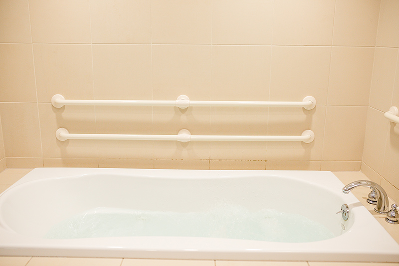 The Birthing Spa - Whirlpool Bathtubs
